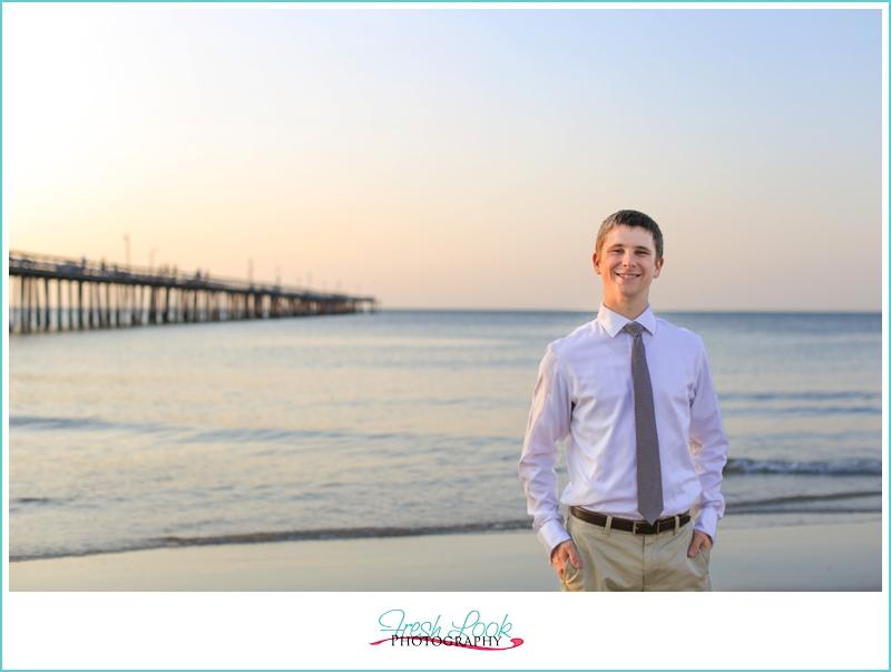 groom photos on the beach