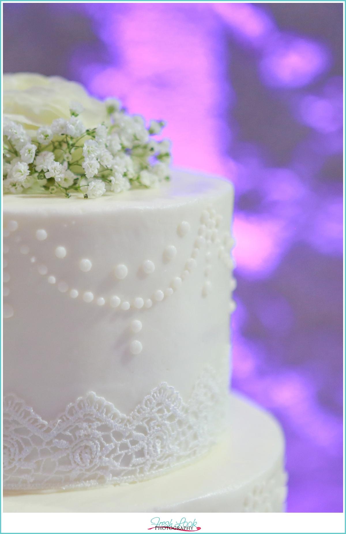 lace wedding cake detail