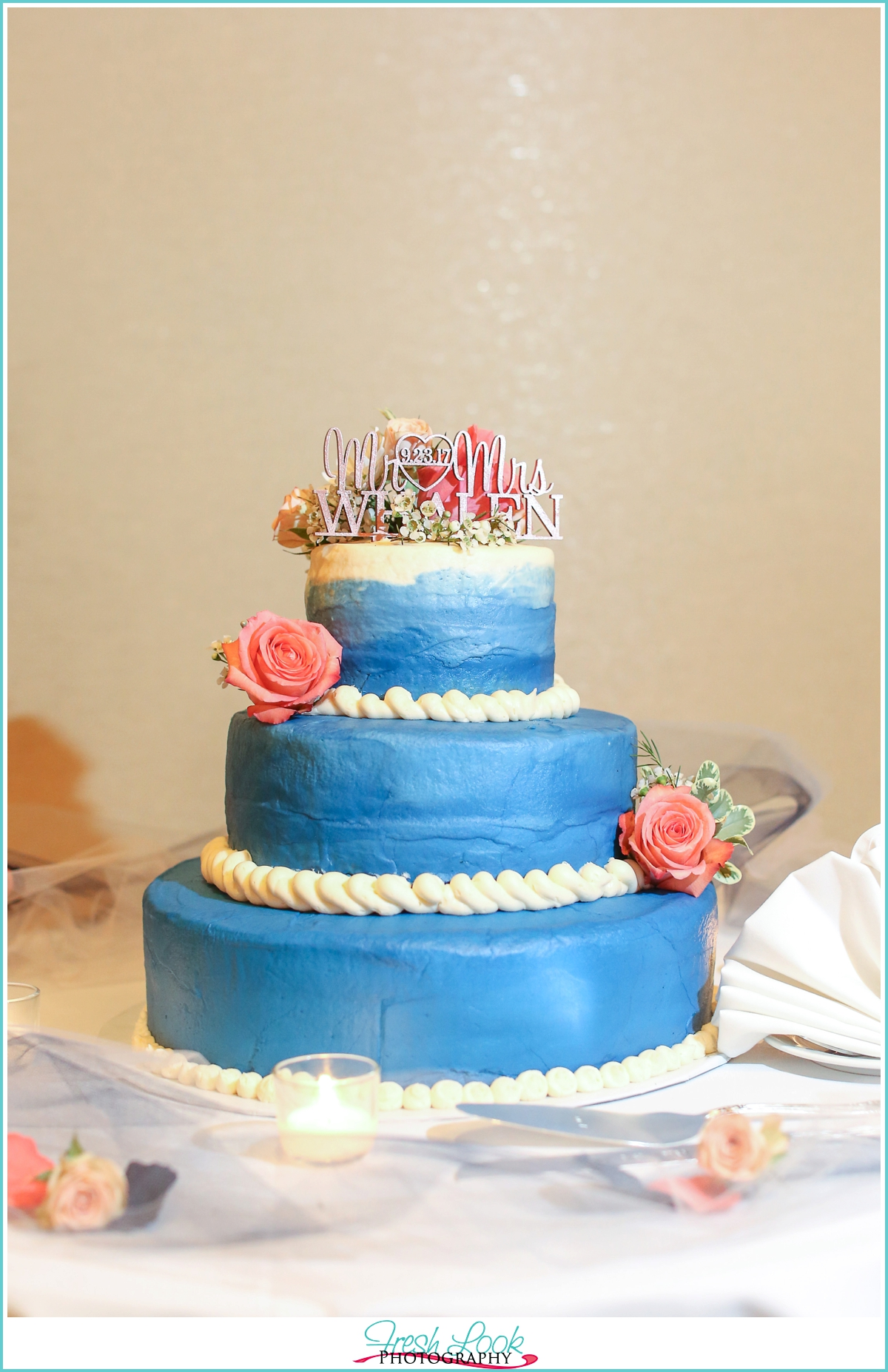 blue and coral wedding cake