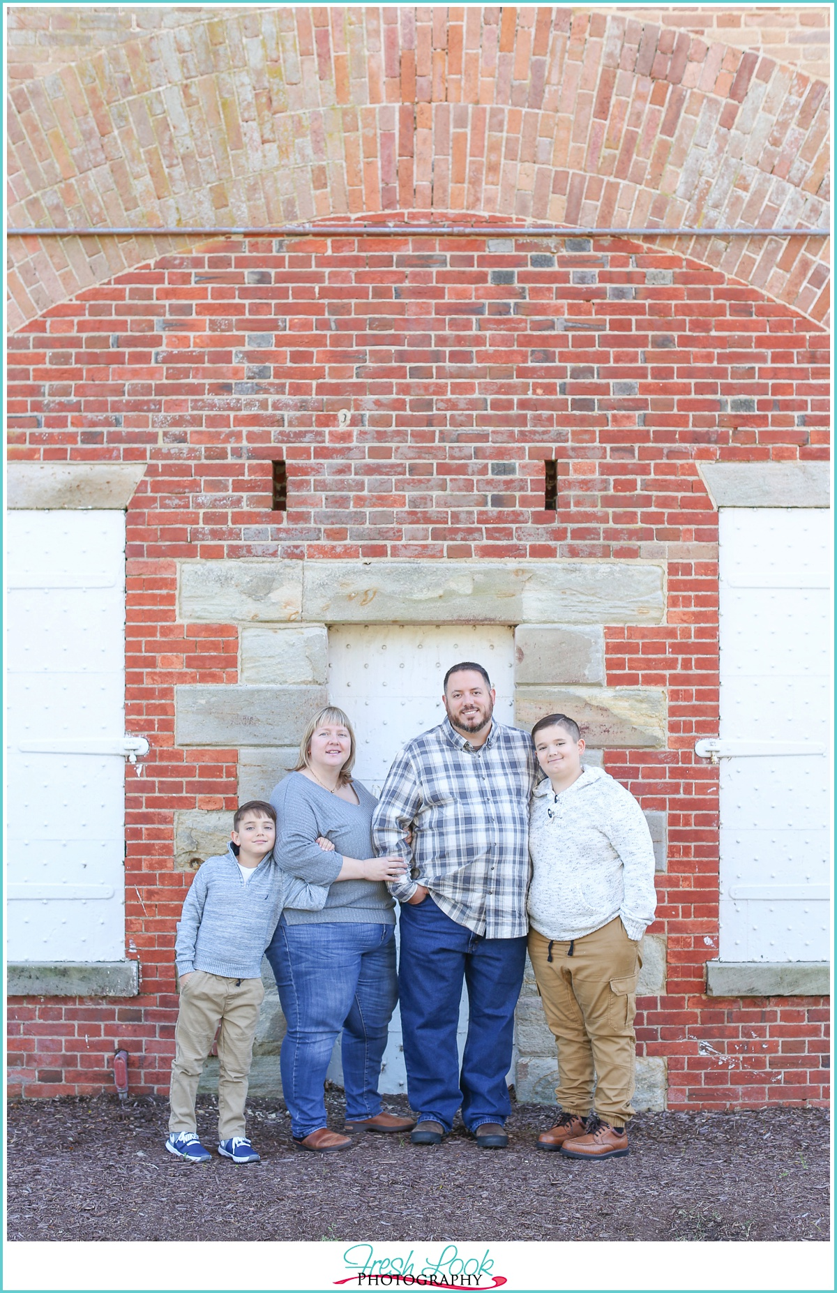 family of four photo shoot