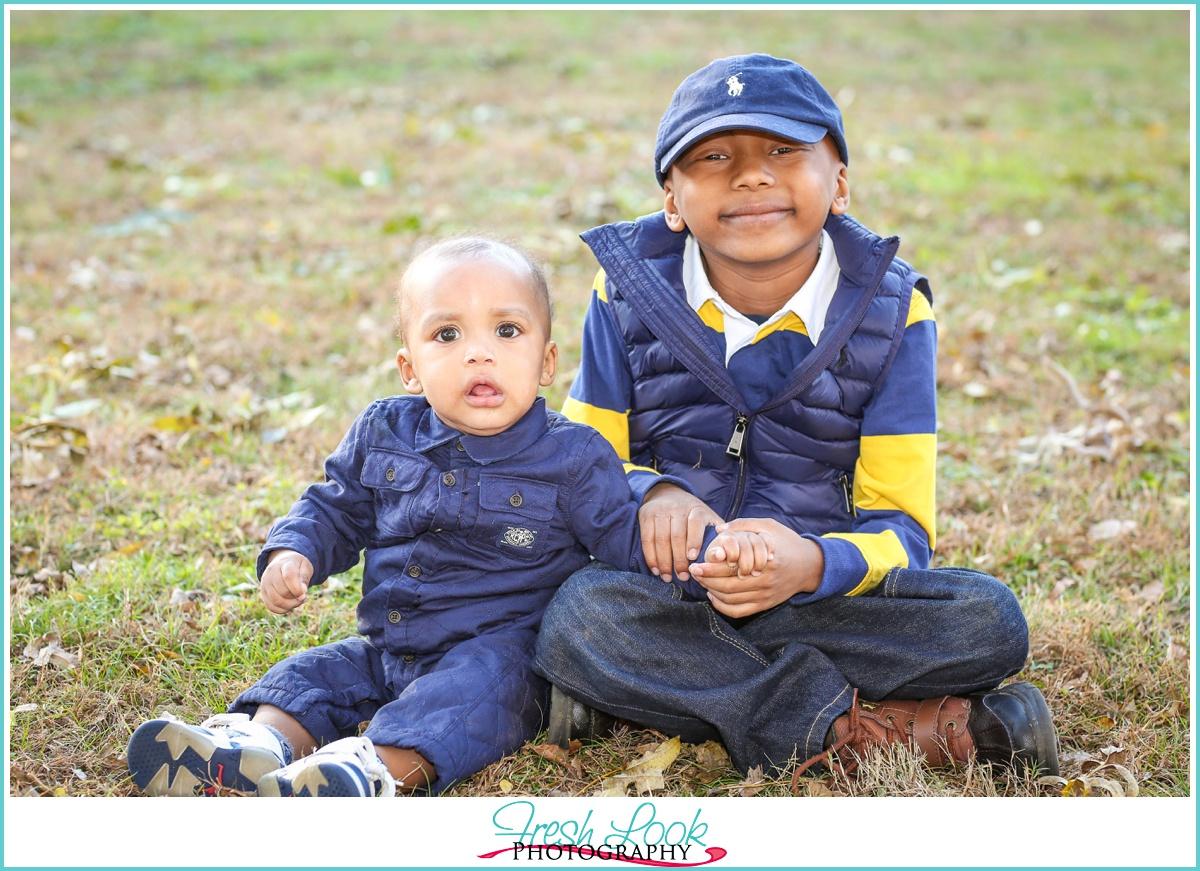 brothers childrens photographer Chesapeake VA