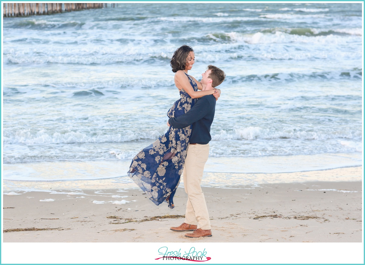 sweet engagement photos in Virginia Beach