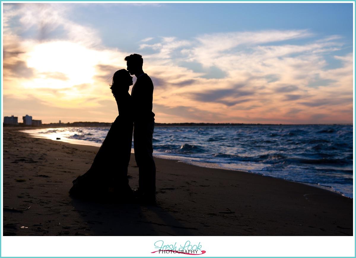 silhouette engagement photo idea