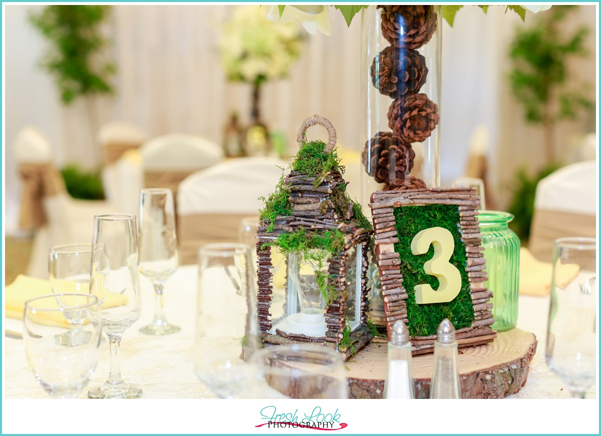 rustic woodsy table decor