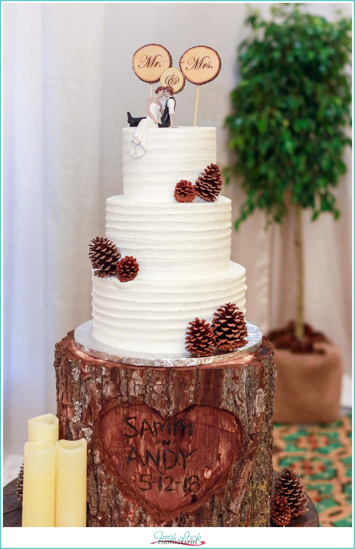 rustic woodsy wedding cake