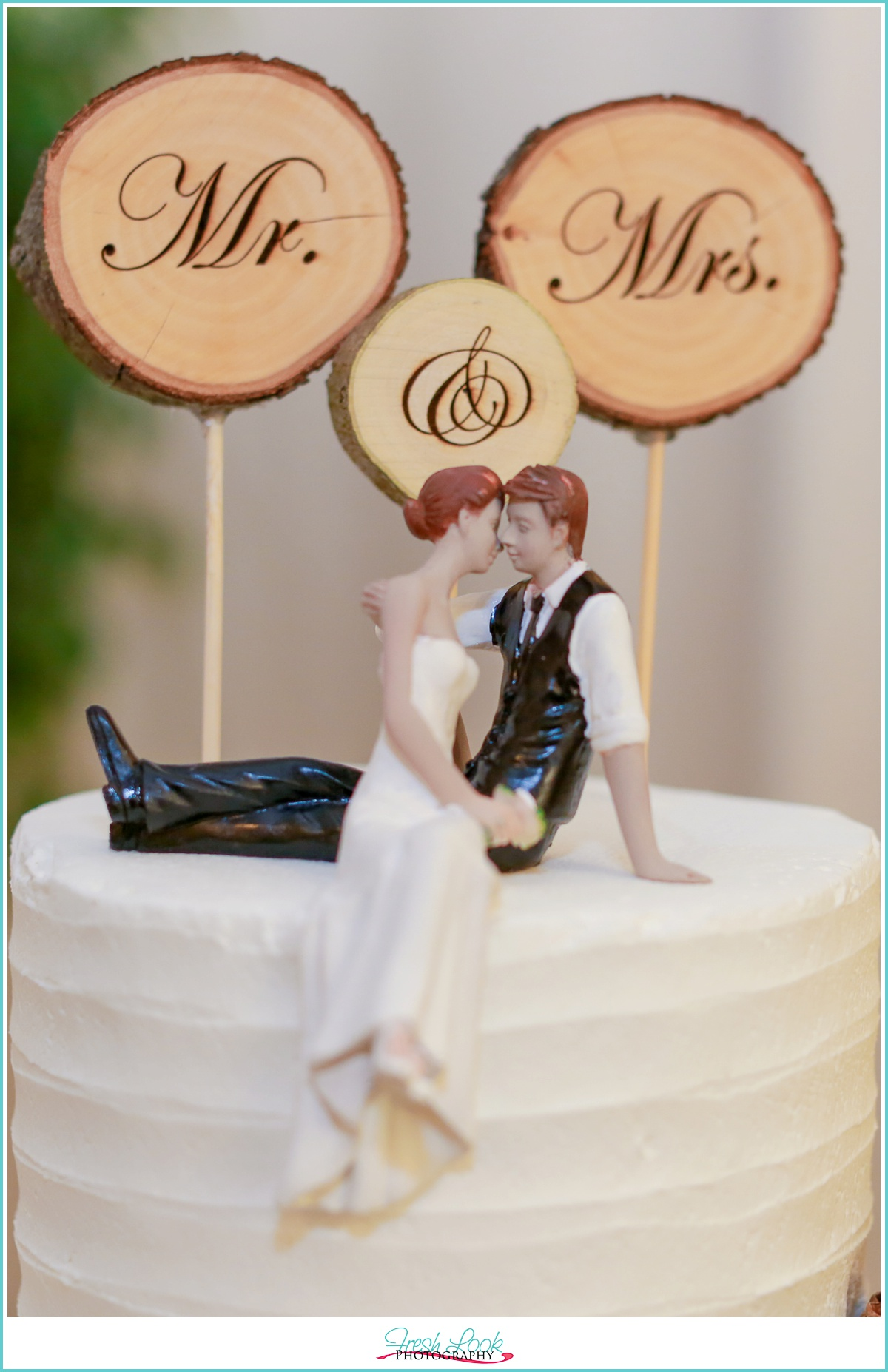 Mr and Mrs cake topper sign