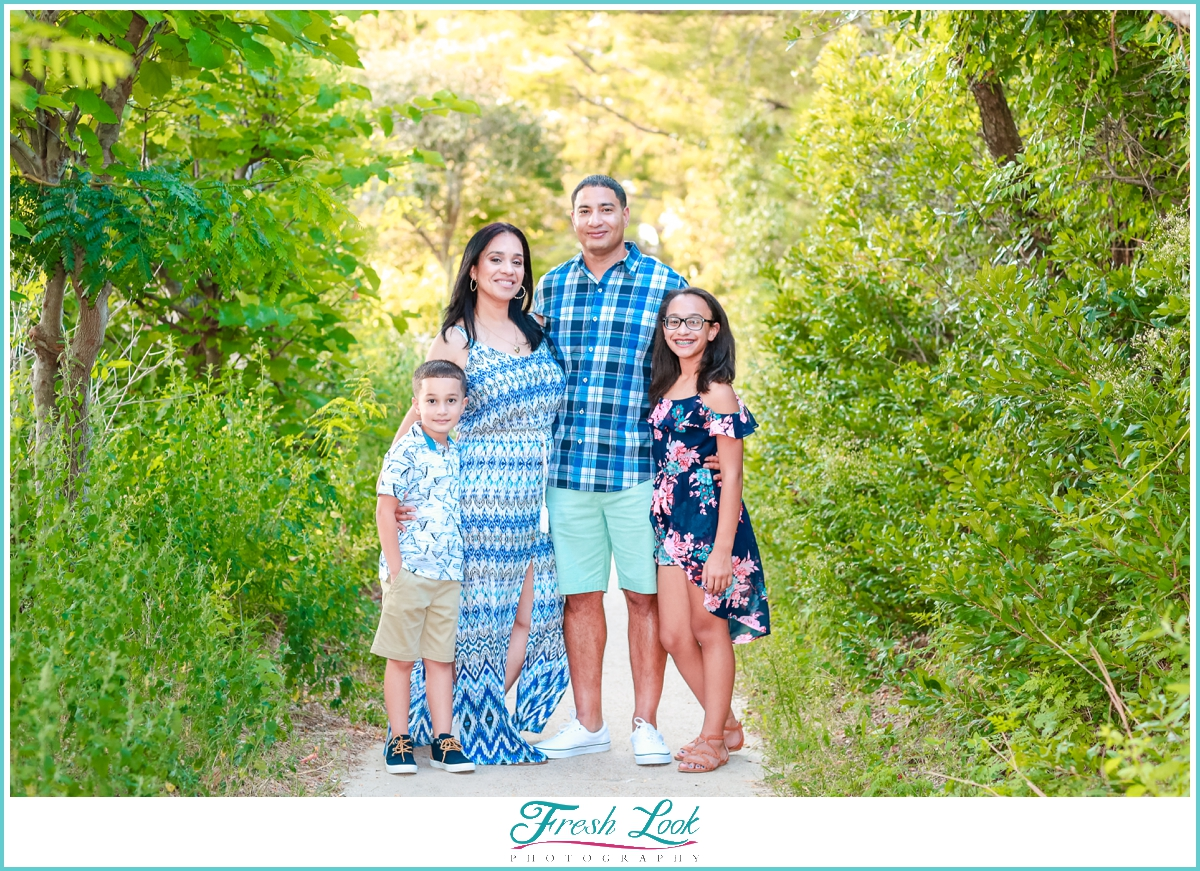 family of four photo shoot
