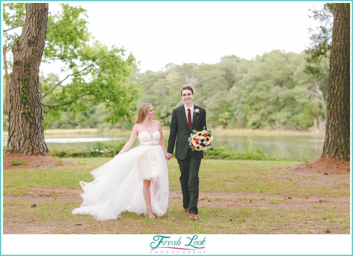 bride and groom posing ideas
