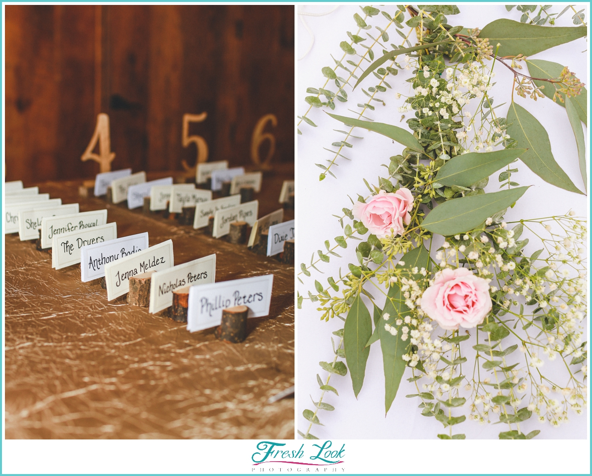 table cards and pink roses