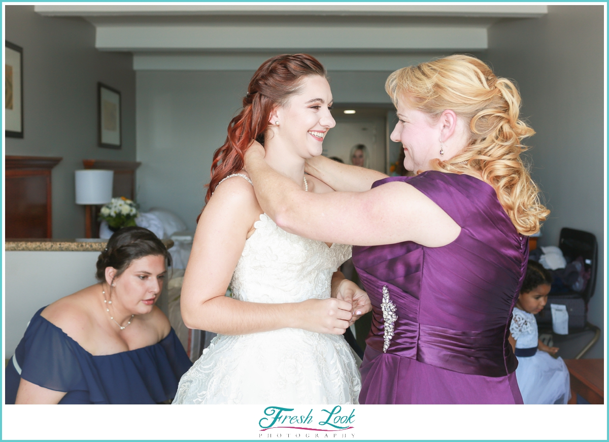 bride and her mother before the wedding