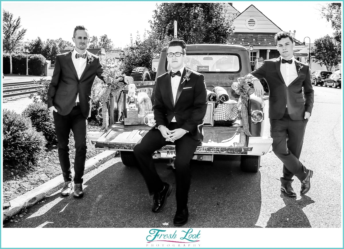 cool groom and groomsmen posing idea