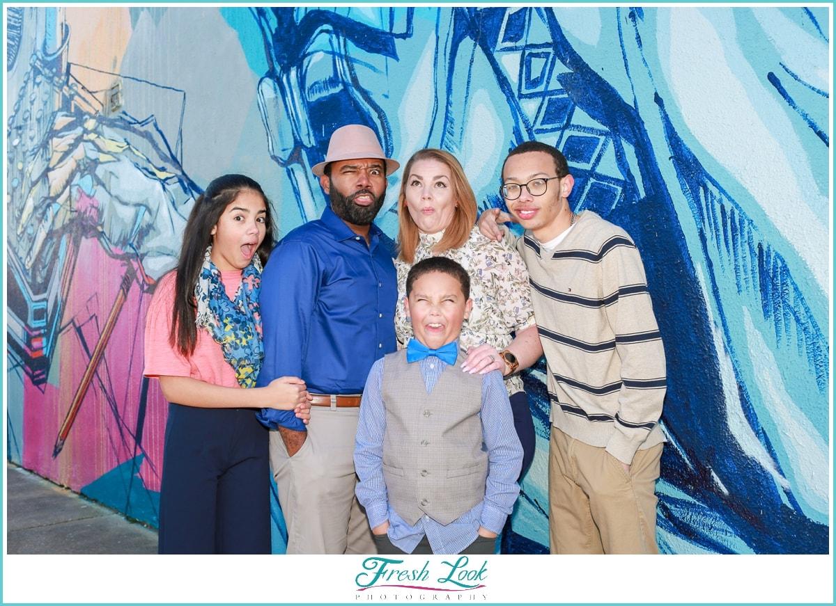 funny family photoshoot
