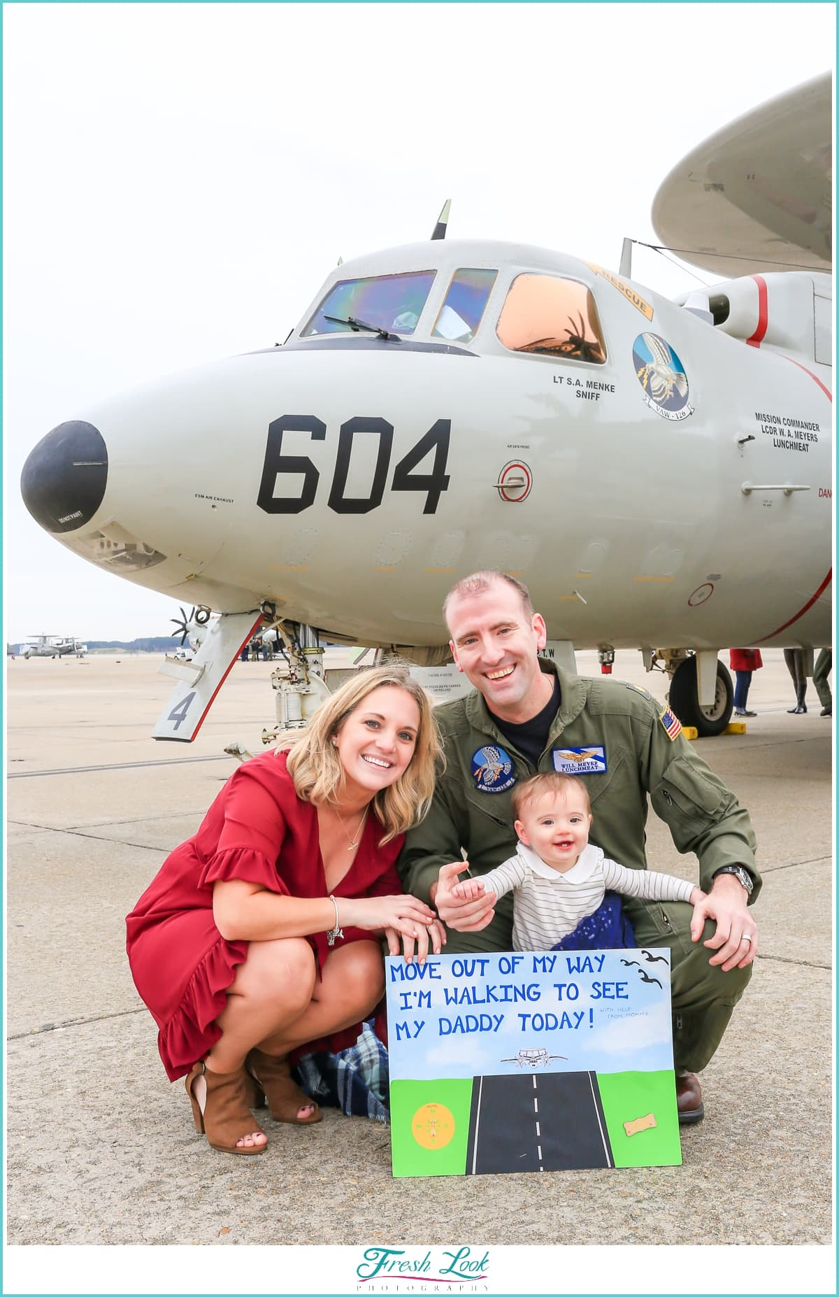 Military homecoming sign ideas