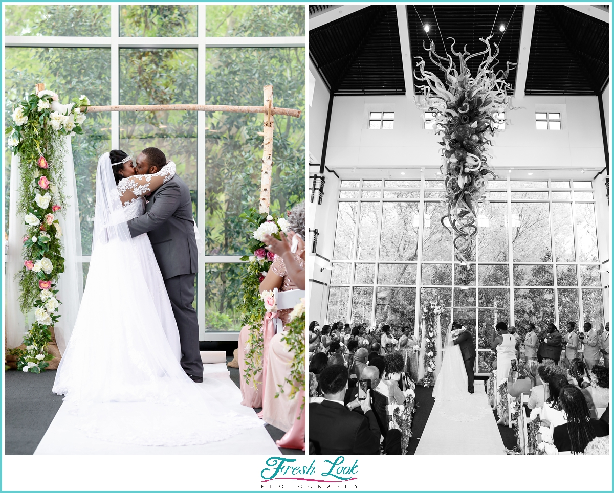 just married wedding kiss