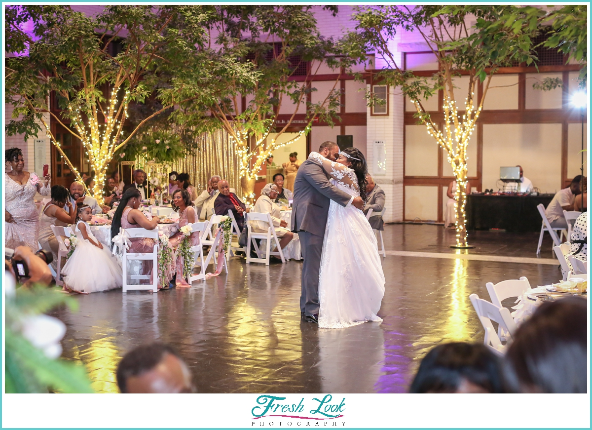 First dance at Mr and MRs