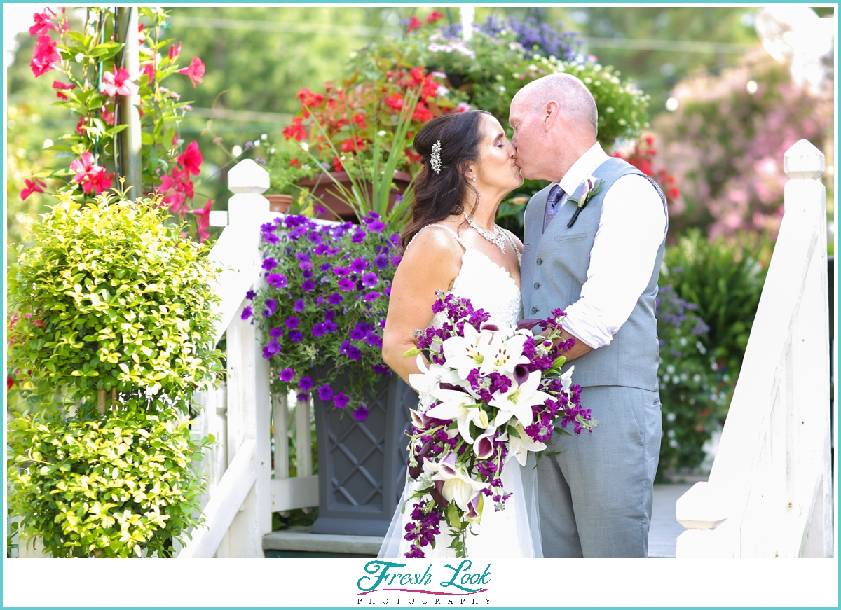 wedding kiss in the garden