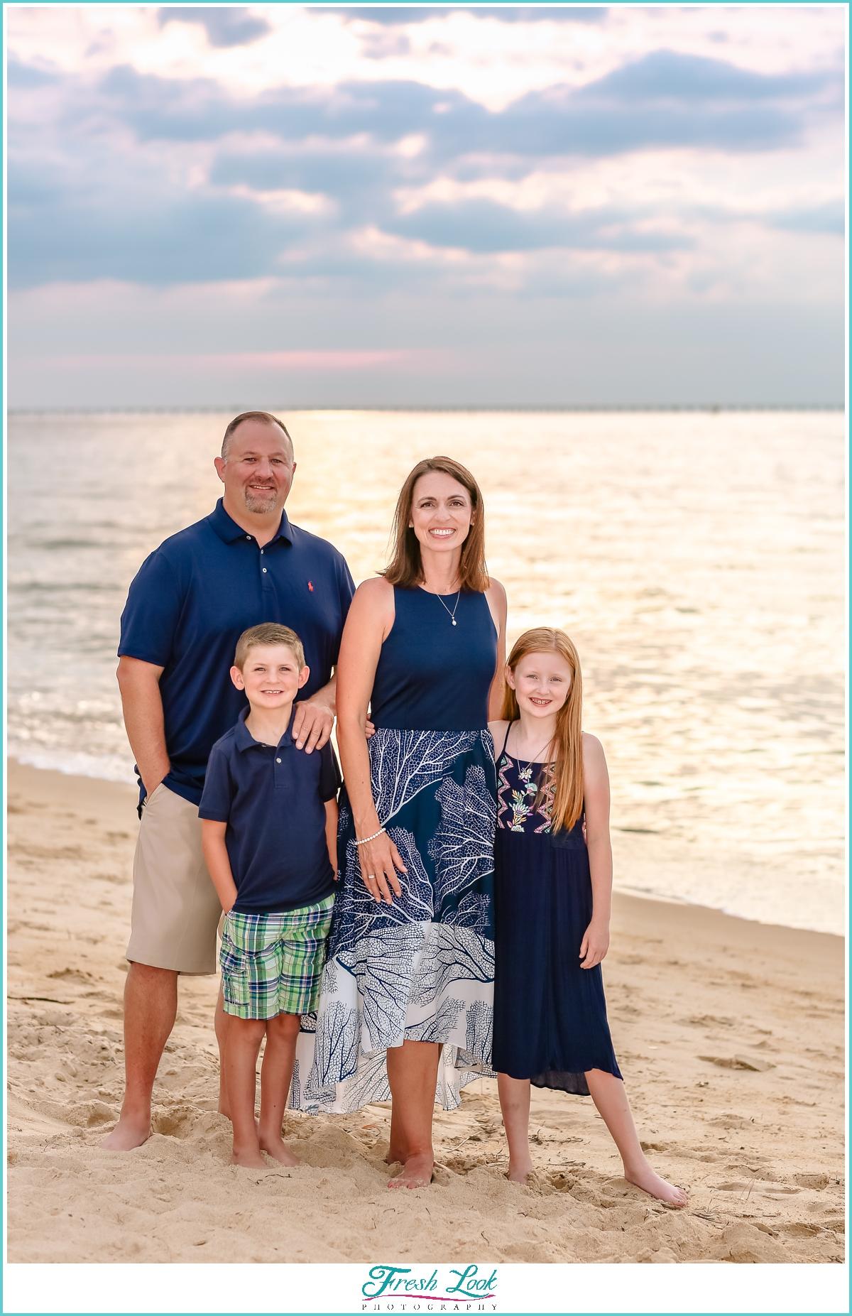 family sunset photos on the beach