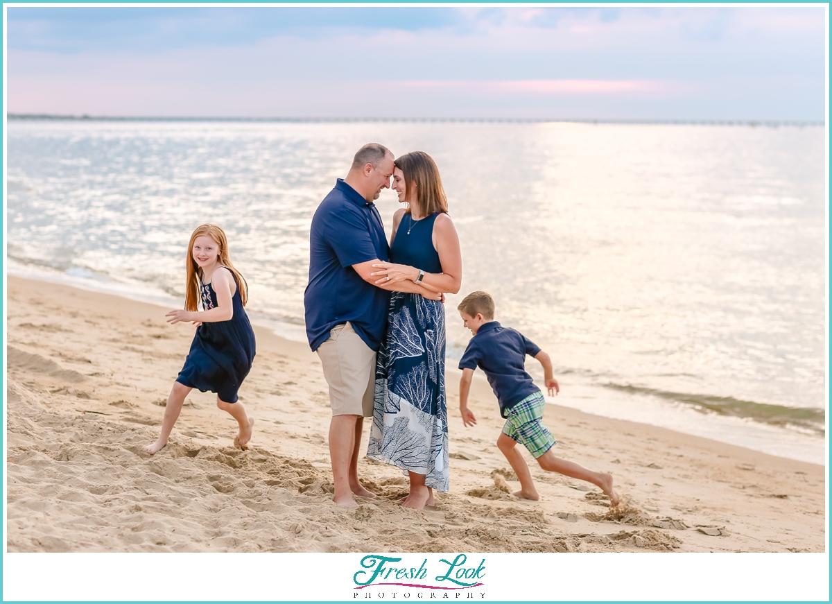 fun VIrginia Beach family photographer