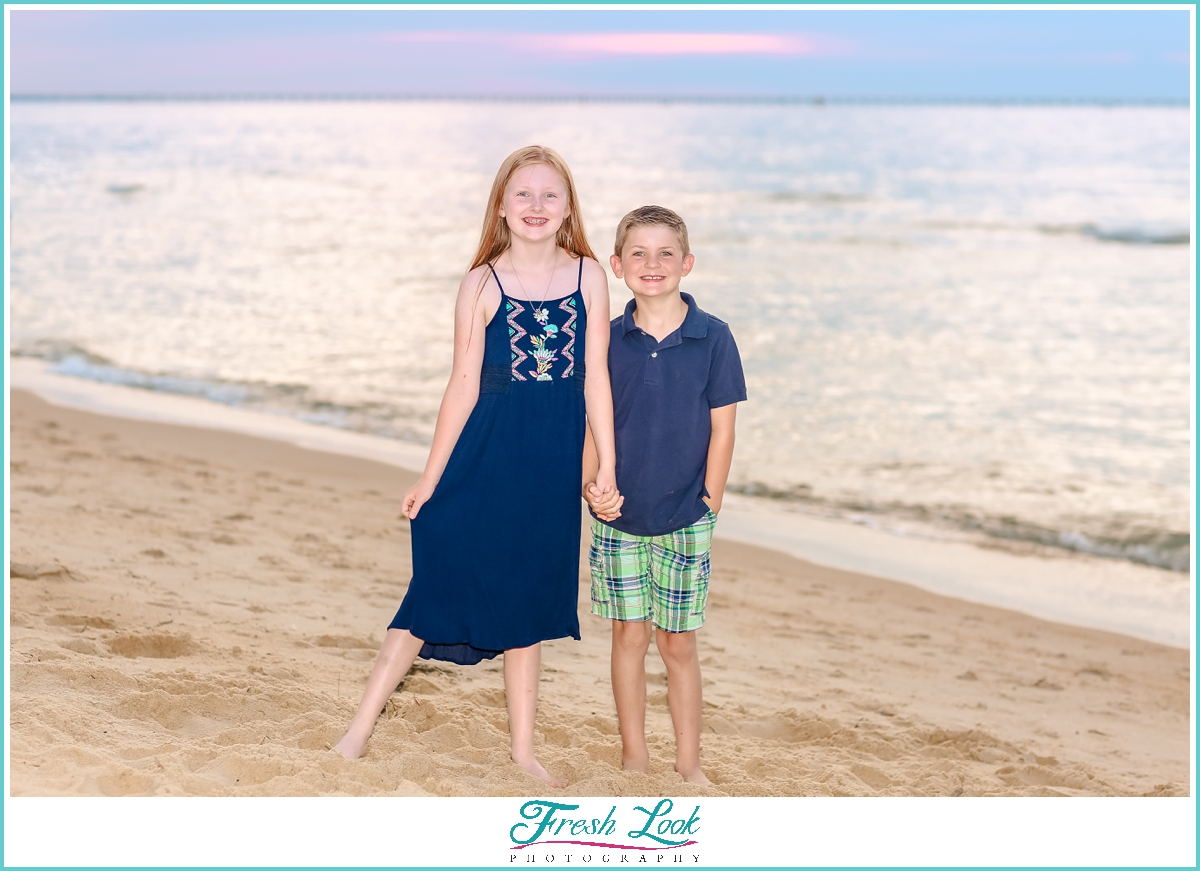 brother and sister photos on the beach