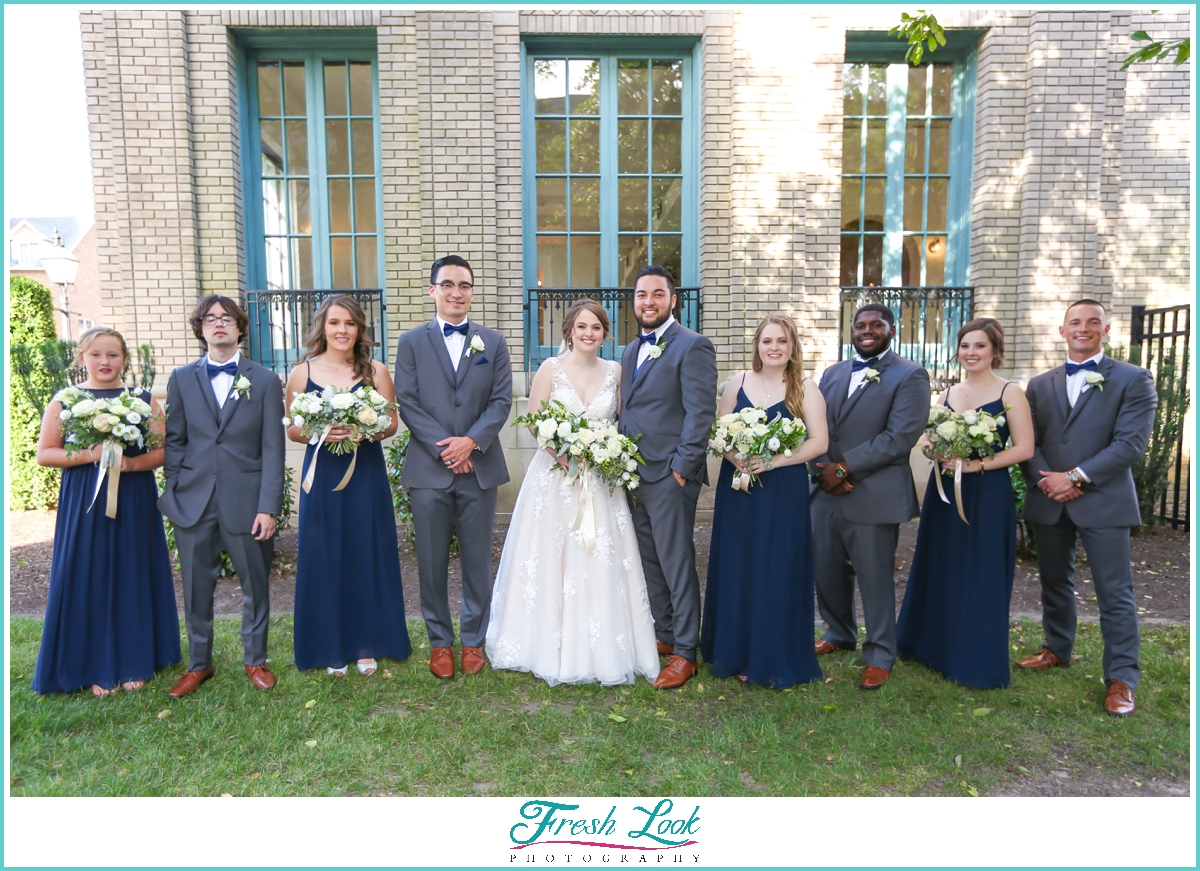 outdoor bridal party photos