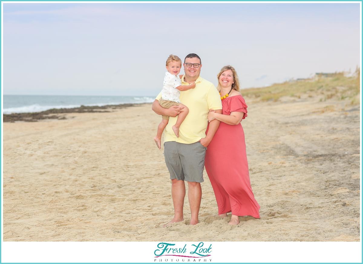 family of three maternity photoshoot