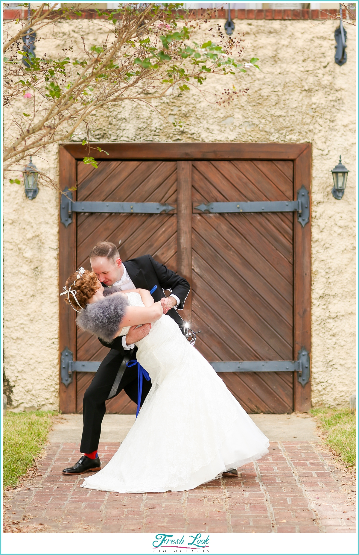 romantic wedding at Williamsburg Winery