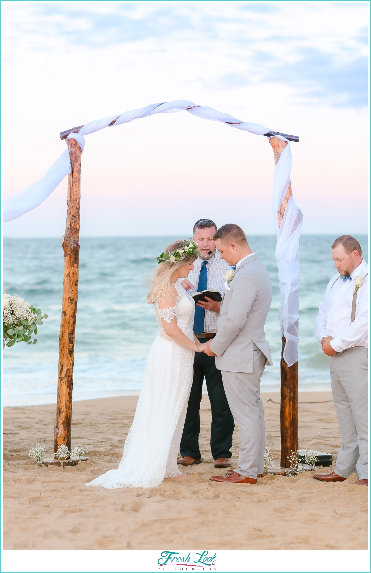 bride and groom sunset beach wedding