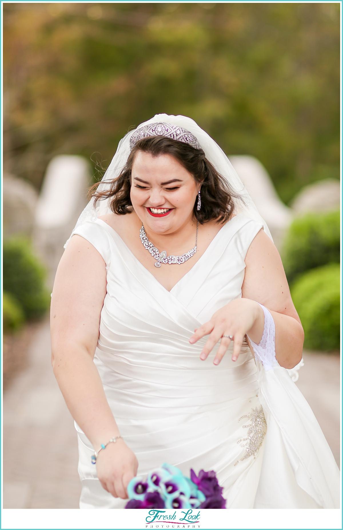 gorgeous plus size bride photoshoot