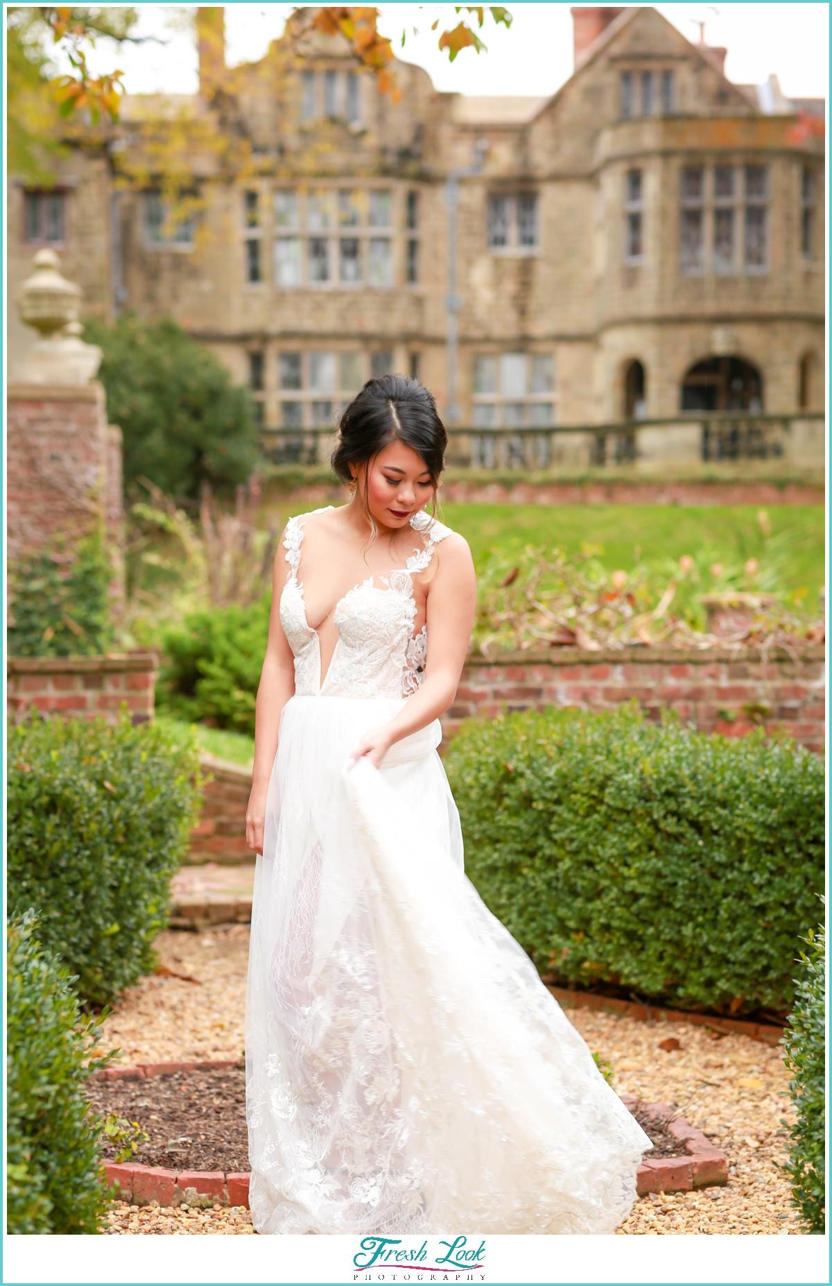 bridal portraits at historic mansion