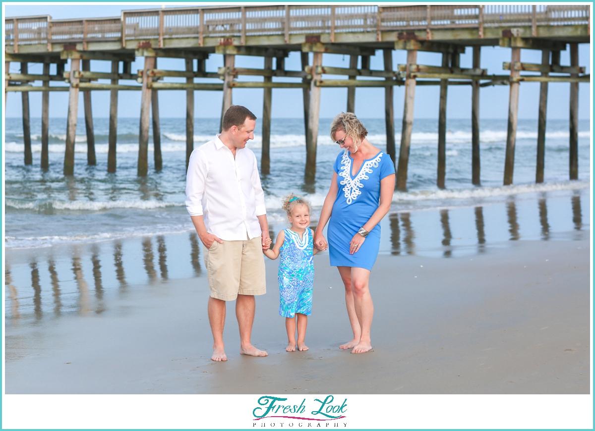 fun family photos on the beach