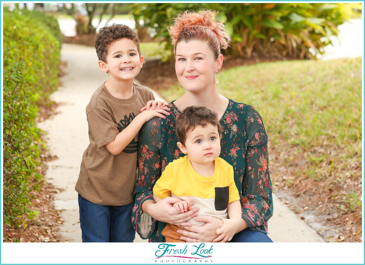 momma and her boys photoshoot