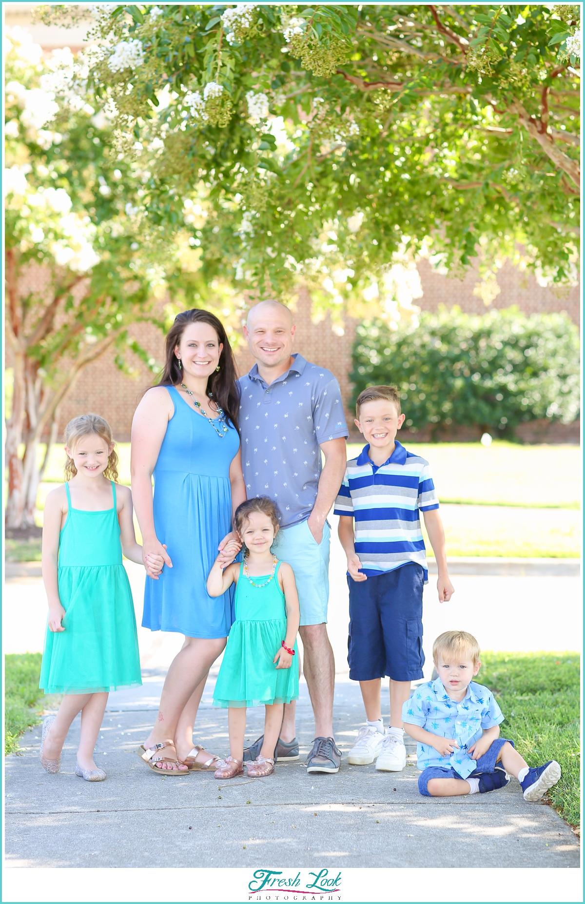 spring family photoshoot ideas