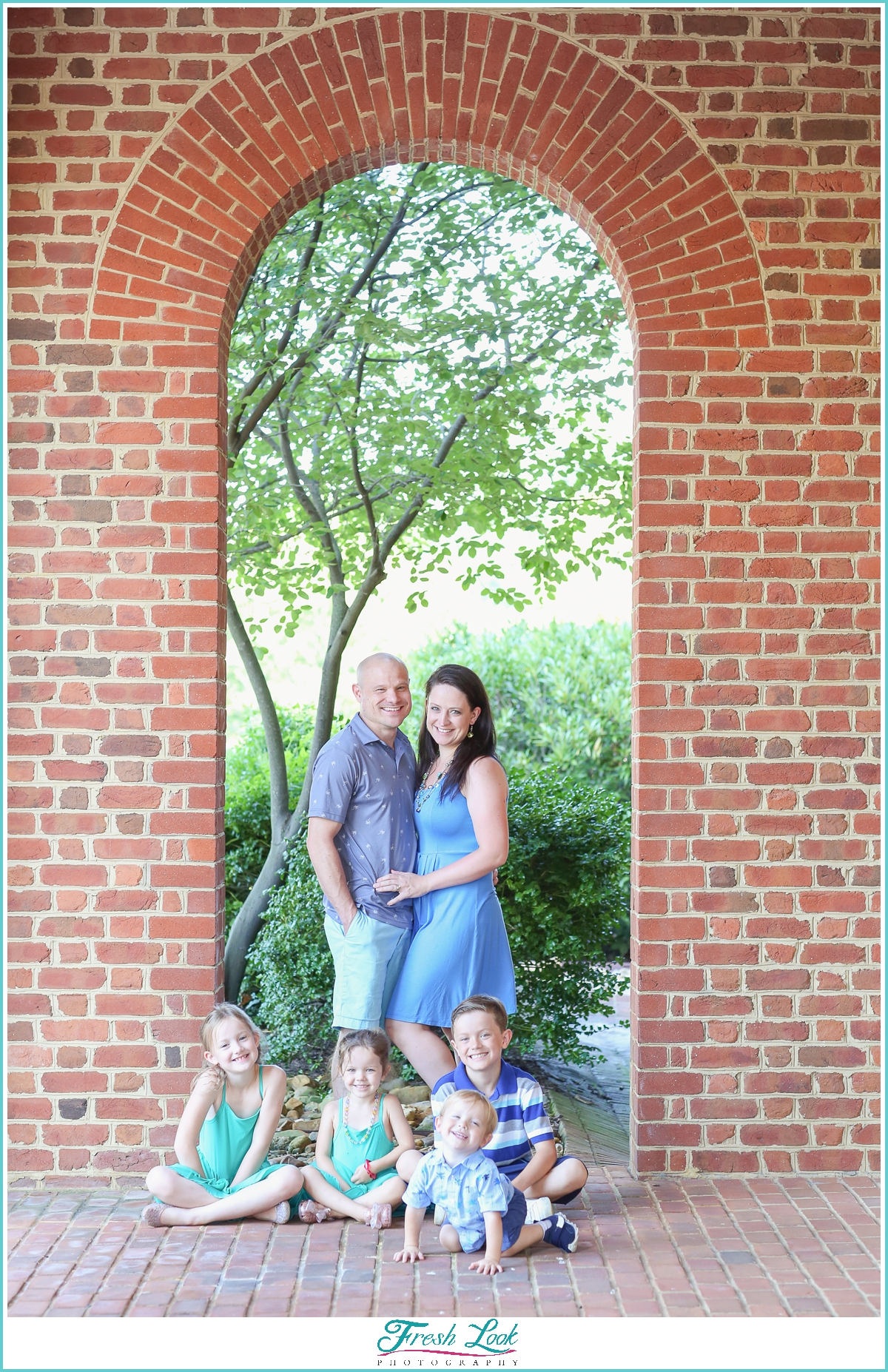 outdoor family posing ideas
