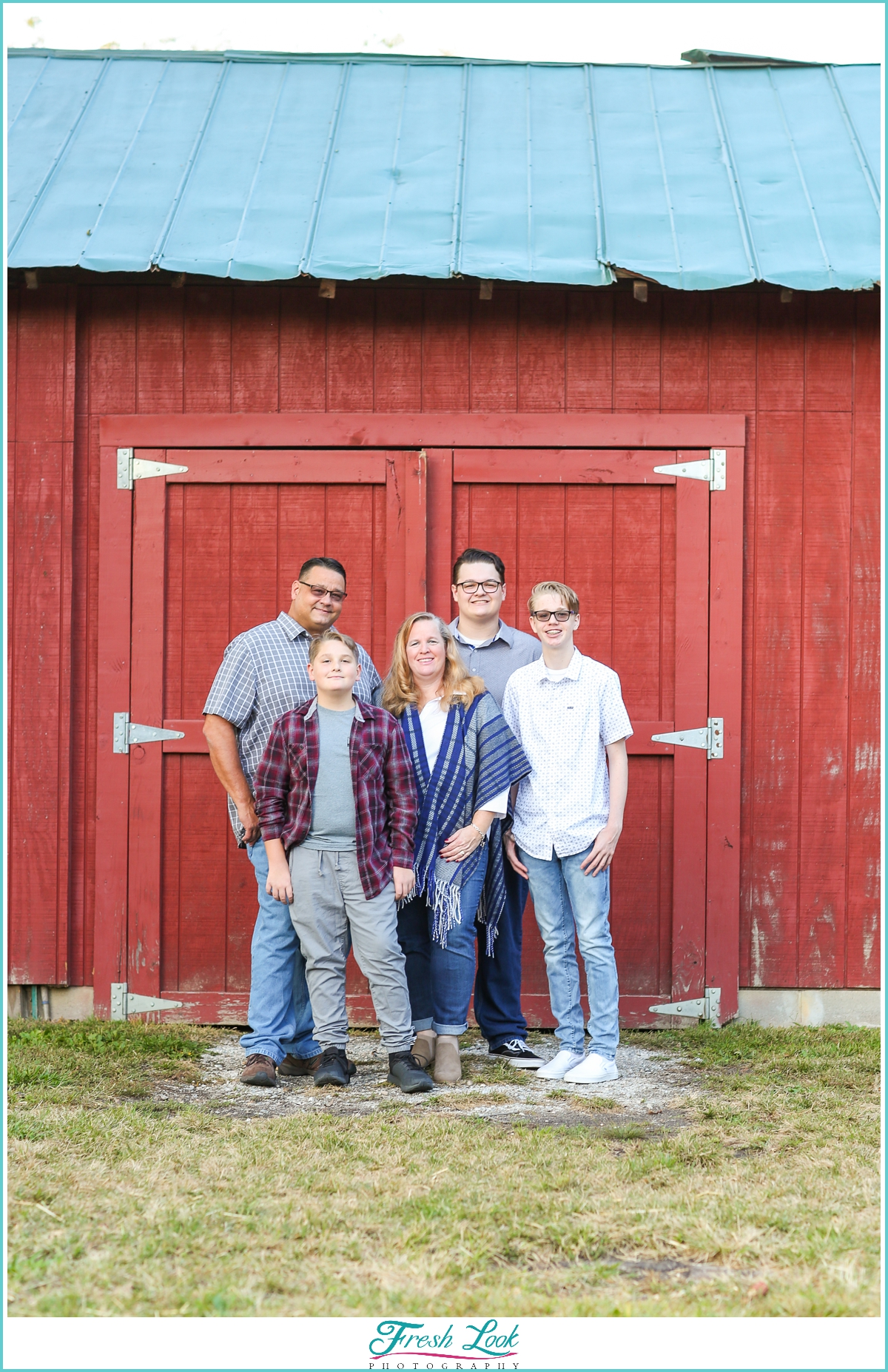 red barn country photoshoot