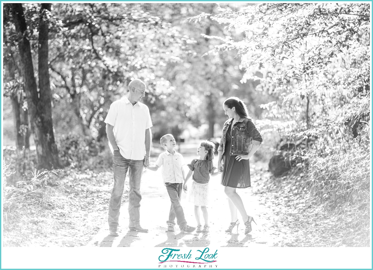 woodsy family photoshoot in South Carolina