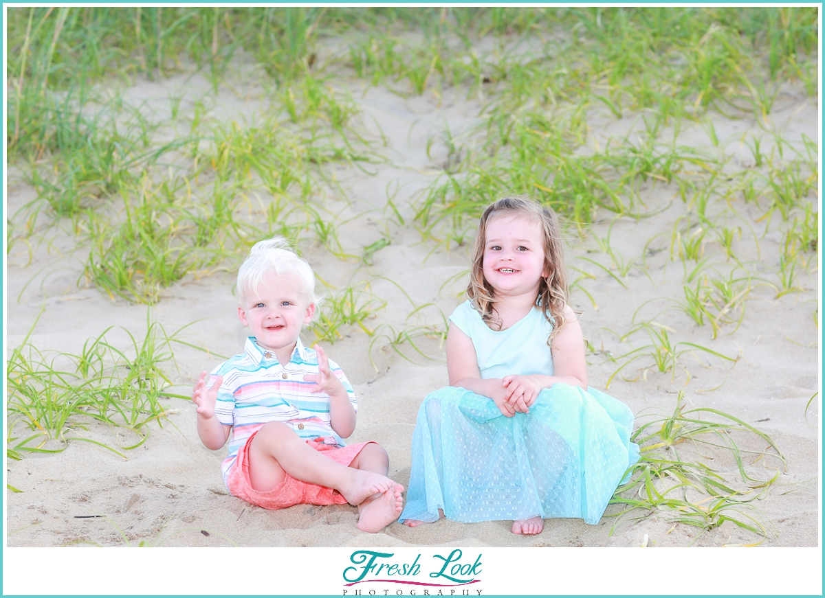 brother and sister beach photoshoot