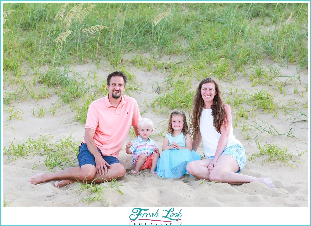 beach family photos on the dunes
