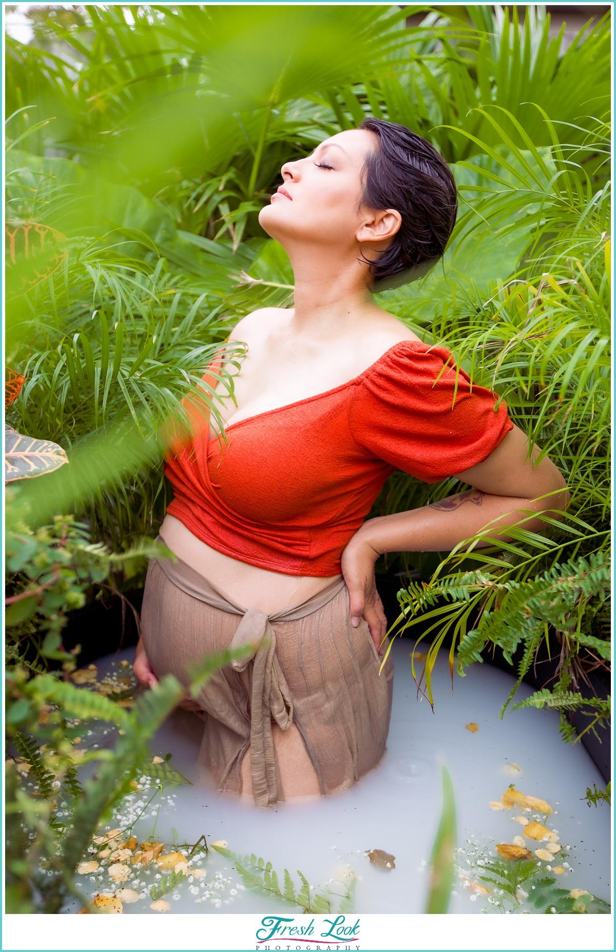 beautiful maternity photoshoot ideas