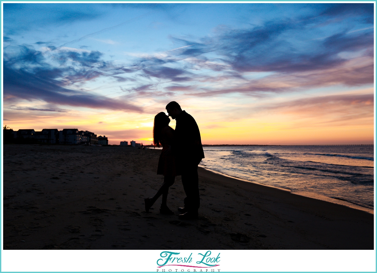 silhouette engagement photos at the beach