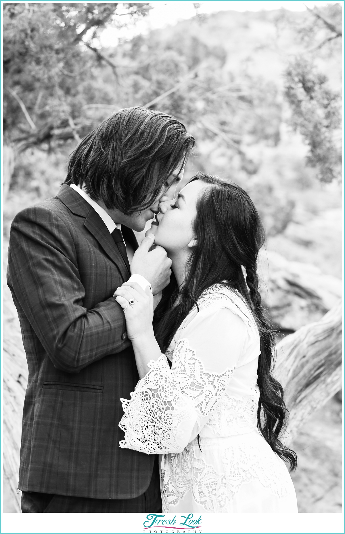 black and white elopement photograpgher