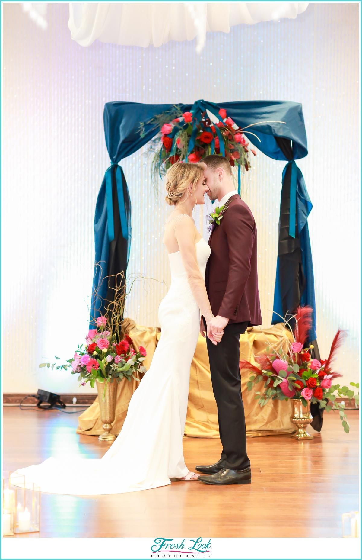 romantic kiss at the wedding